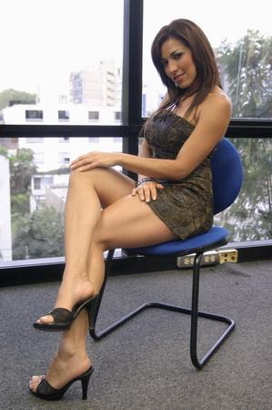 Hermosa colombiana con piernas largas se pone muy cachonda - 1 part 4