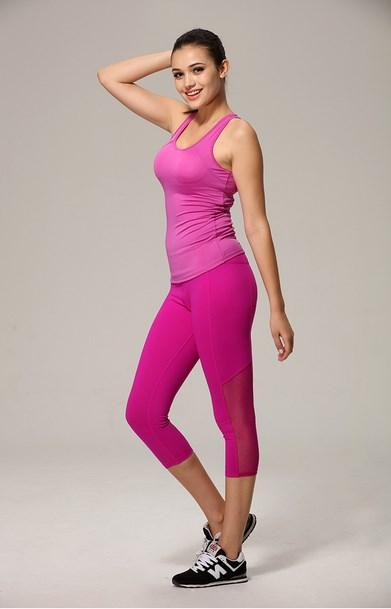 Foto foto Cewek Igo Cantik Pakai Pink Dengan Latihan Mengecilkan Paha Mulus tantop