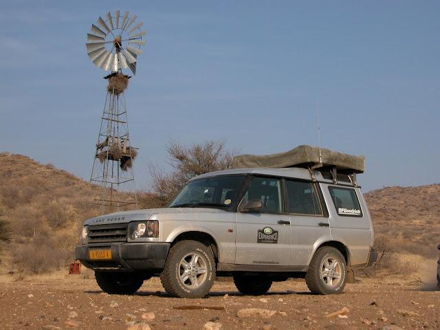 Africa Namibia Landrover Windenergie Windrad Dachzelt