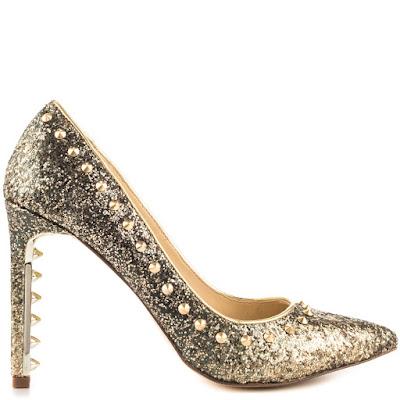 como vestir con zapatos dorados