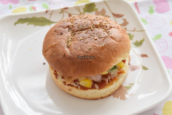 Burger-Pizza-Easy-Recipe-for-Kids-Magic-of-Indian-Rasoi-Priya R