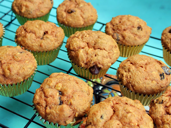 Portable, Healthy and Awesome (Healthy Breakfast Power Muffins)