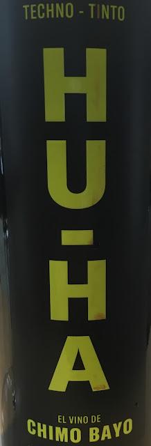 Vista general de la etiqueta del vino Hu Ha