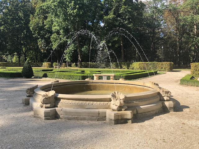 park lubartów, fontanna