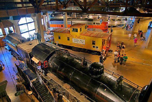 Visita ao Califórnia State Railroad em Sacramento
