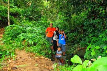 Foto Track hiking JPN ada sungai kecil