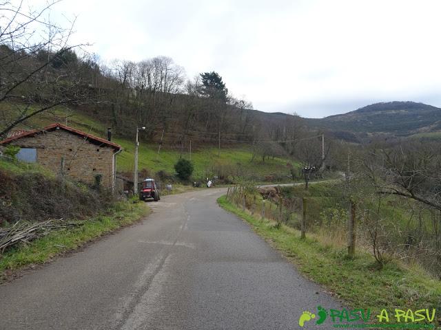Tramo por carretera en la subida a Ceacal