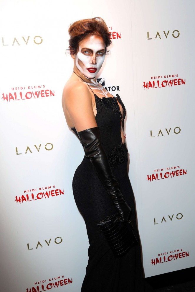 Jennifer Lopez – Heidi Klum Halloween Party 2015 in NY