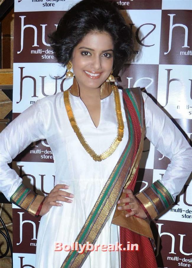 Vishakha Singh, Mandira Bedi & Kajal Aggarwal at HUE Store Launch