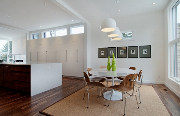 Perencanaan warna cat ruangan yang Anda inginkan biasanya memang agak rumit Ruang Makan Dengan Warna Elok Dan Menarik
