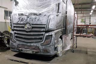 Malowanie tira aerografem, malowanie samochodów ciężarowych, naczep, napisów, malowanie loga, airbrush truck