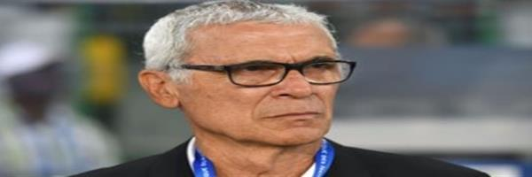 كوبر يضع خطة اللعب في مباراة مصر وأوروجواي، وصلاح مهدد بعدم المشاركة