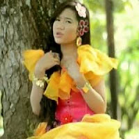 Lirik Lagu Minang Rayola - Di Ujuang Panantian