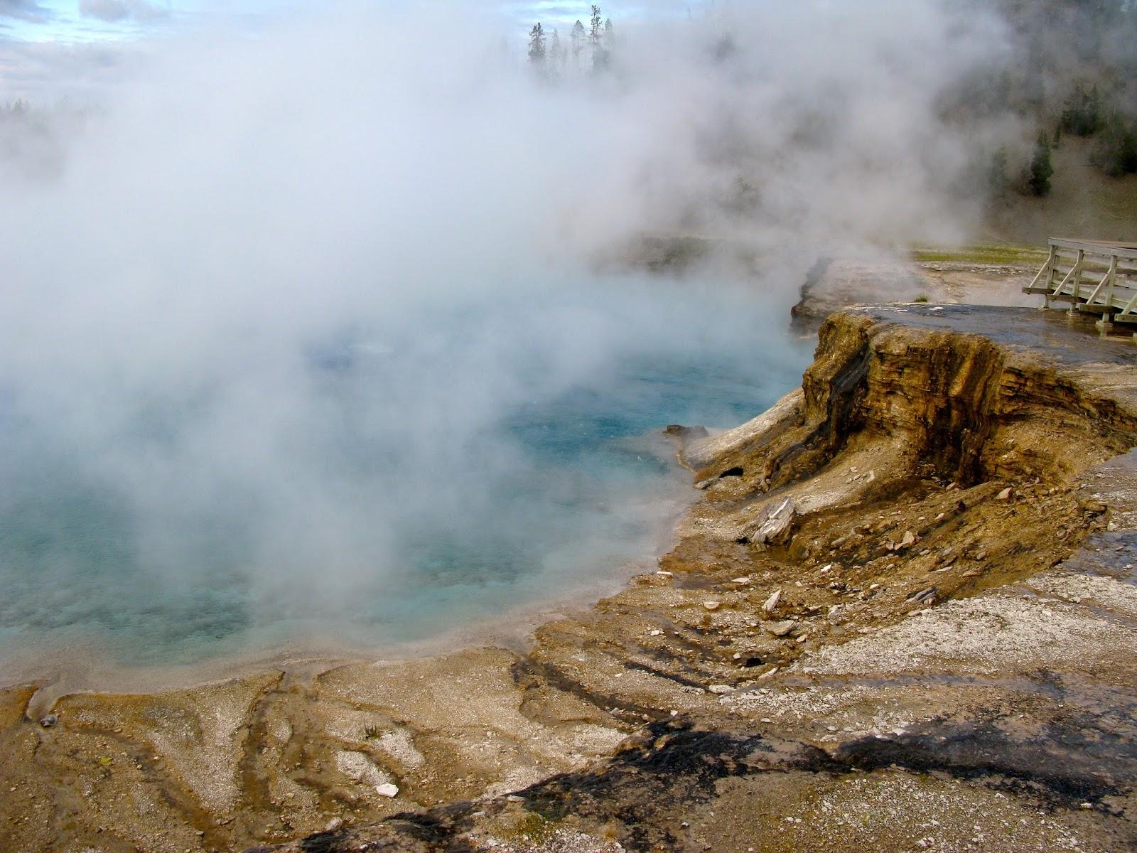 Yellowstone national park essay