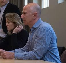 Por qué Jeff Bezos hace que los ejecutivos de Amazon lean Memos de 6 páginas al comienzo de cada reunión