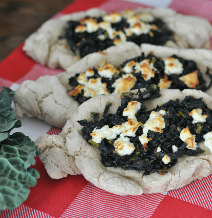 Turkish Pide with kale - a glutenfree treat for winter!