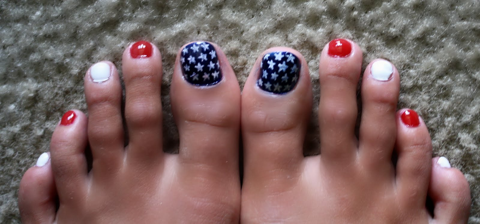 Tails To Tell: Independence Day Nail Art
