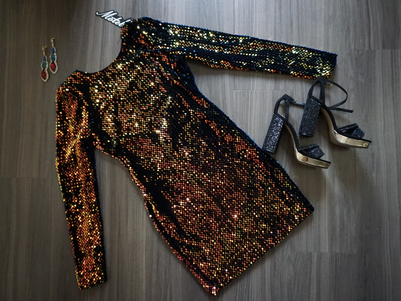 MOTEL ROCKS A STYLE GUIDE ON HOW TO SHINE BRIGHT LIKE A DIAMOND DURING THE PARTY SEASON