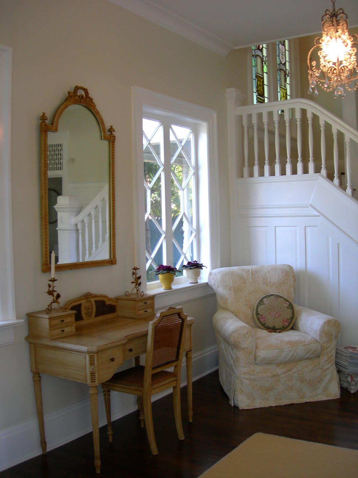maison decor a shabby chic style maven. Black Bedroom Furniture Sets. Home Design Ideas