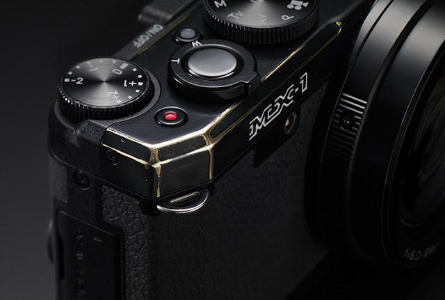 Fotografia della calotta in ottone della Pentax MX-1