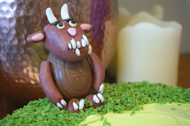 gruffalo cake figurine