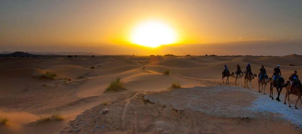 Anochecer en el desierto del Sahara
