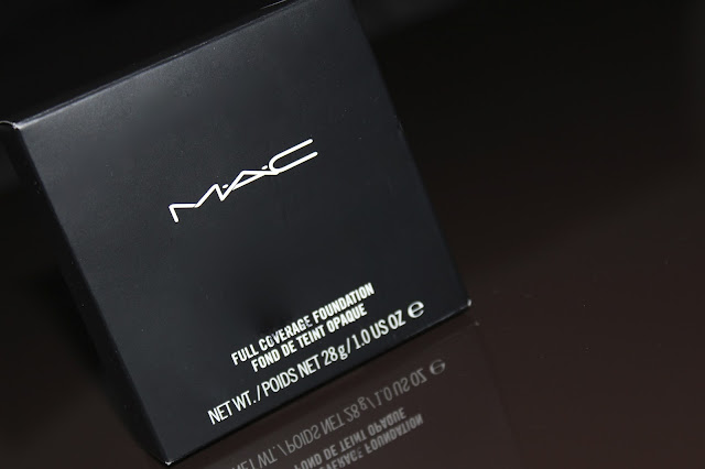 MAC Full Coverage Foundation u nijansi NC20