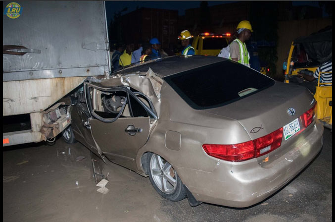Driver smashes Honda Accord into stationary truck in Lagos