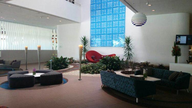 Hilton Cairns, Australia, lobby, Euriental