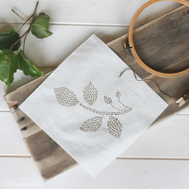 https://3.bp.blogspot.com/-DAd4akmF07Q/Vx-Z7cY2X5I/AAAAAAAACoU/kyBBEYrKWl0C9m1DOuH5593VwGzSXL3CwCLcB/s1600/leaf-embroidery-pattern-2.jpg