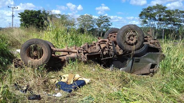 Capotamento deixa dois mortos e três feridos no interior do Maranhão