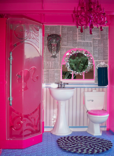Barbie Bedroom In A Box: Mark Montano: BARBIE GETS CRAFTY........With Mark