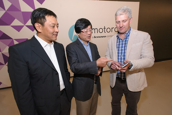Liu Jun, president of Lenovo, Yang Yuanqing, Lenovo Chairman and CEO,  and Rick Osterloh, President and COO of Motorola