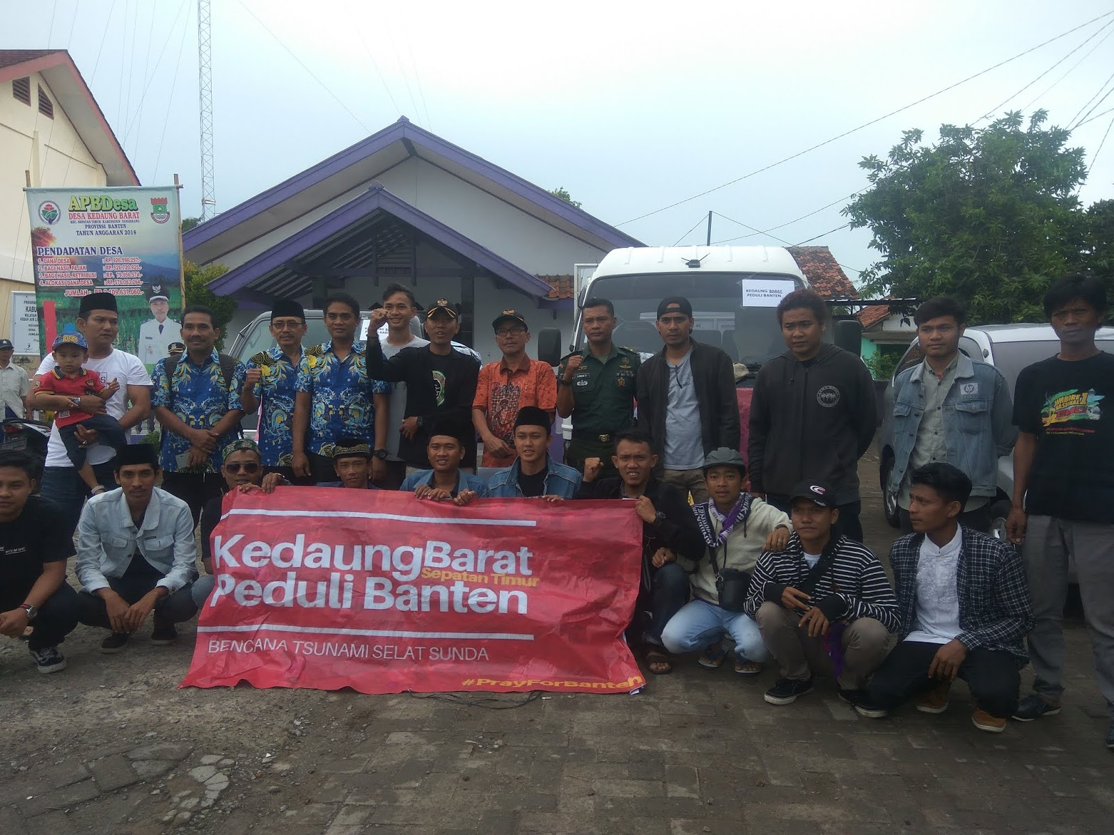 Karang Taruna Bina Remaja Desa Kedaung Barat Salurkan Batuan Bencana Stunami Di Banten
