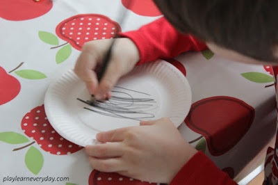 colouring the paper plate