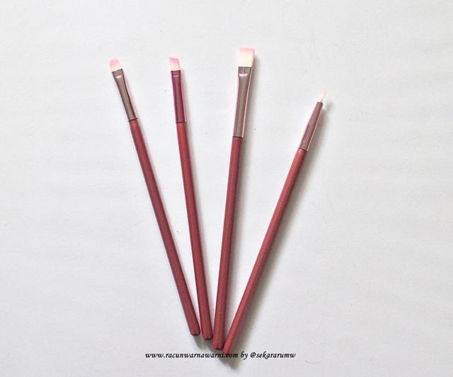 Brush Kecil Dari Pink Set