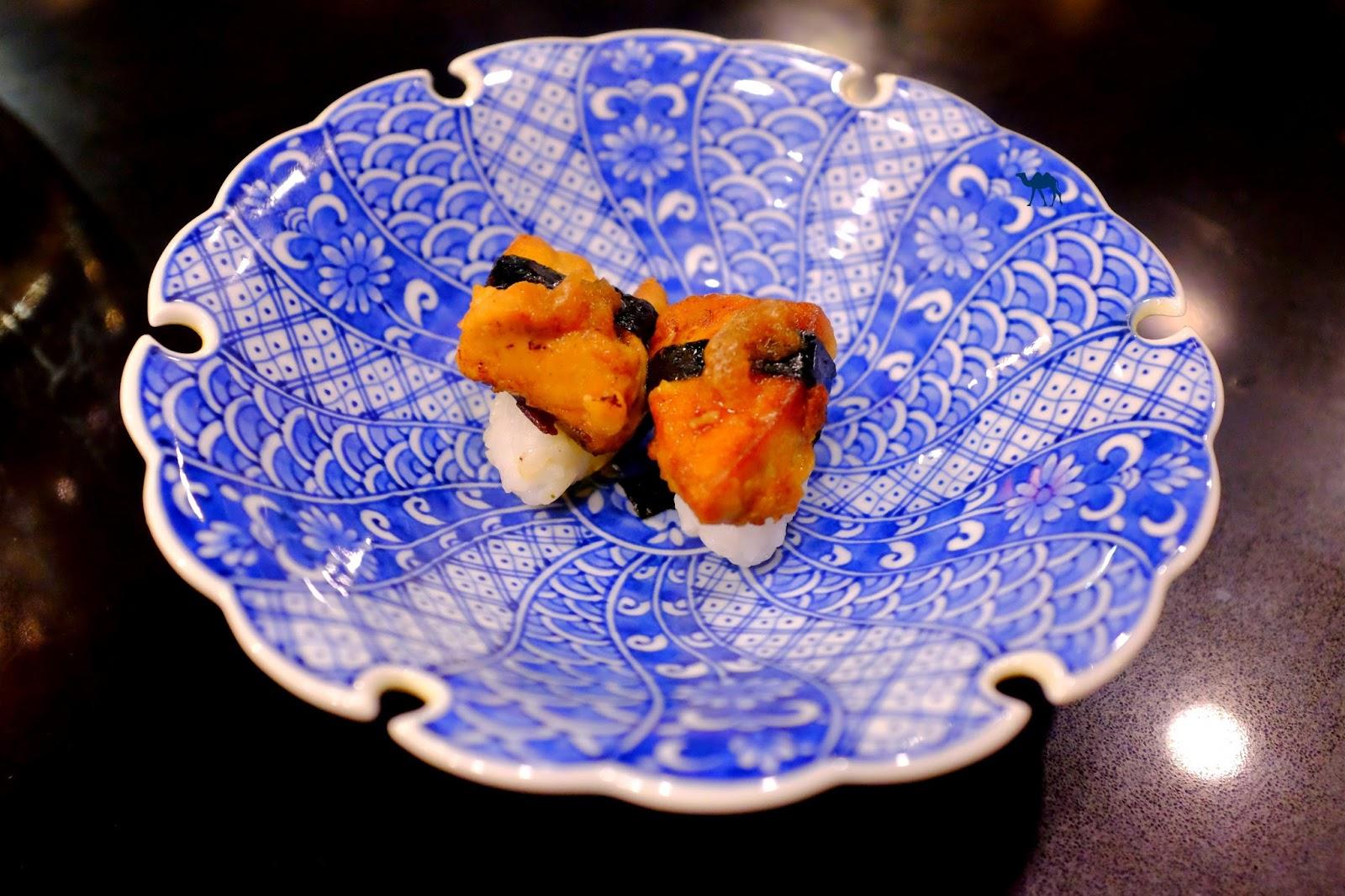 Le Chameau Bleu - sushis de foie gras poêlé- Guilo Guilo Restaurant Japonais à Paris