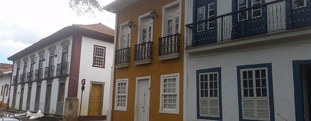 Casarões da Praça Gomes Freire Sá, Mariana, Minas Gerais