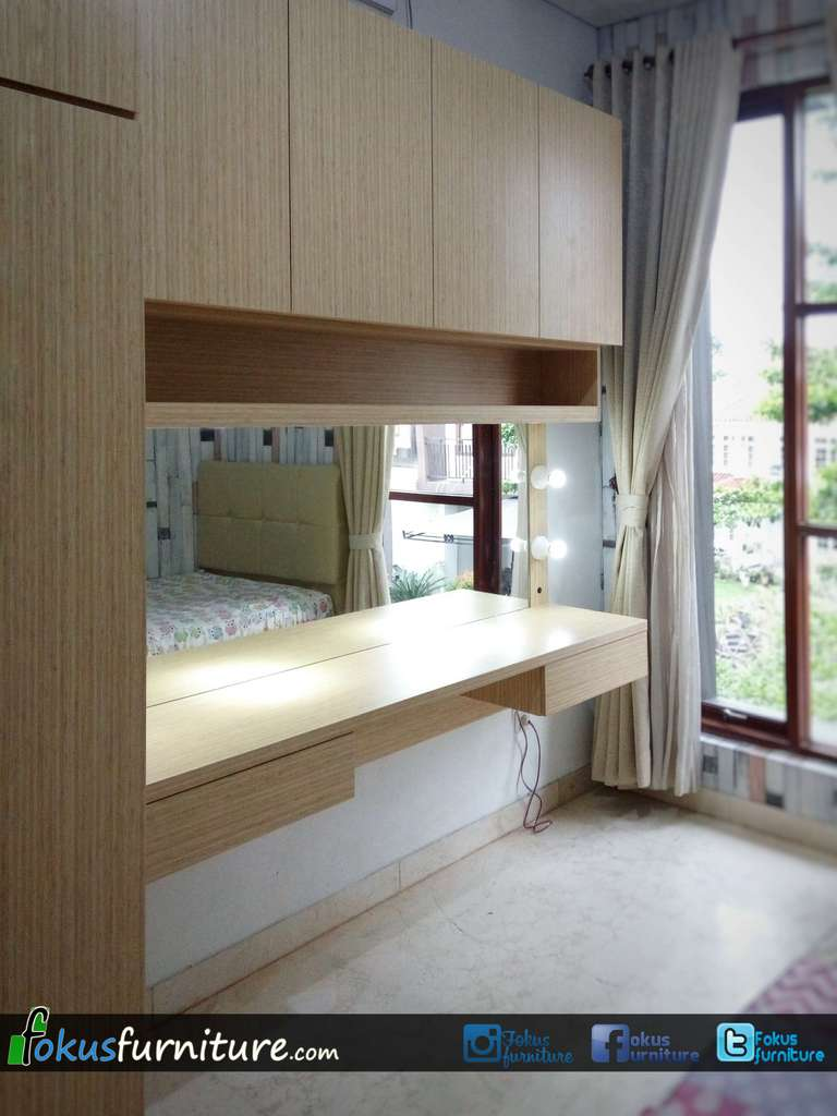 Lemari pakaian plus meja rias minimalis harga lemari for Harga kitchen set olympic