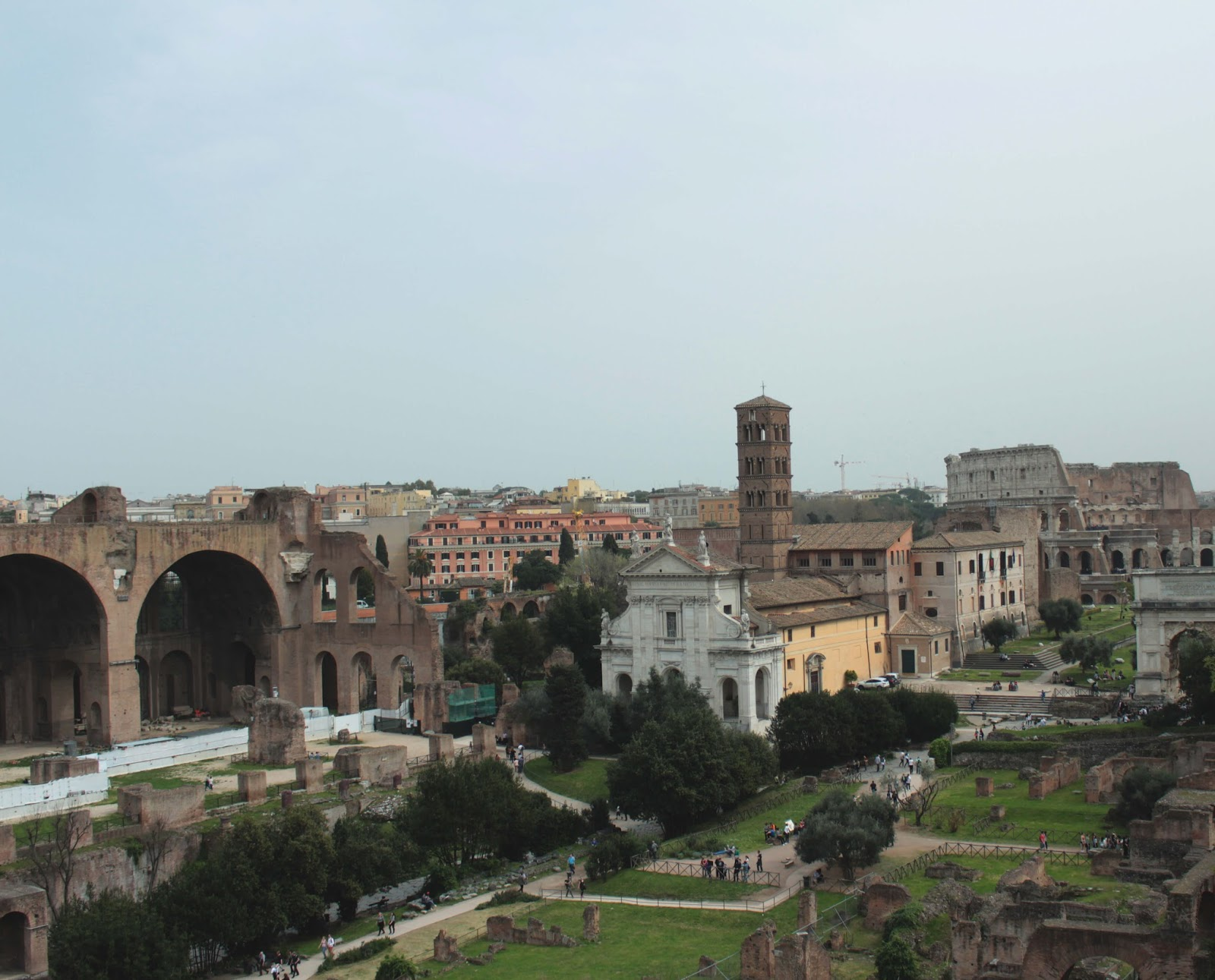 the Roman Forum and Colosseum uk travel blogger