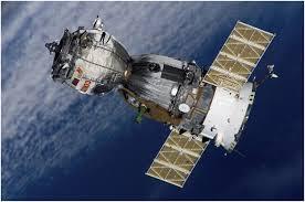 مركبة الفضاء الصينية تسقط شضاياها قريبا على الأرض