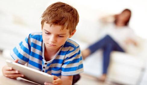Anak Anda Kencaduan Gadget? Seperti Ini Cara Mengatasinya