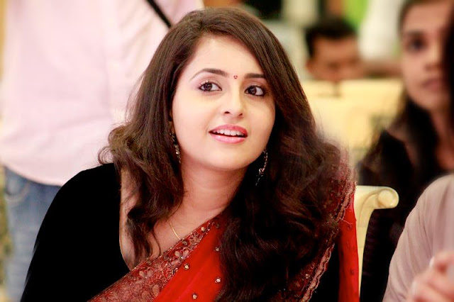 Kannada actress Bhama saree stills