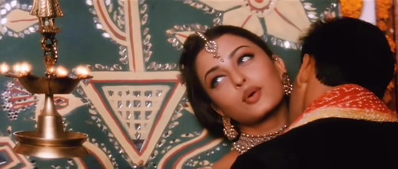 Dichotomy Of Irony: Of The Enigmatic Allusions Of Hum Dil