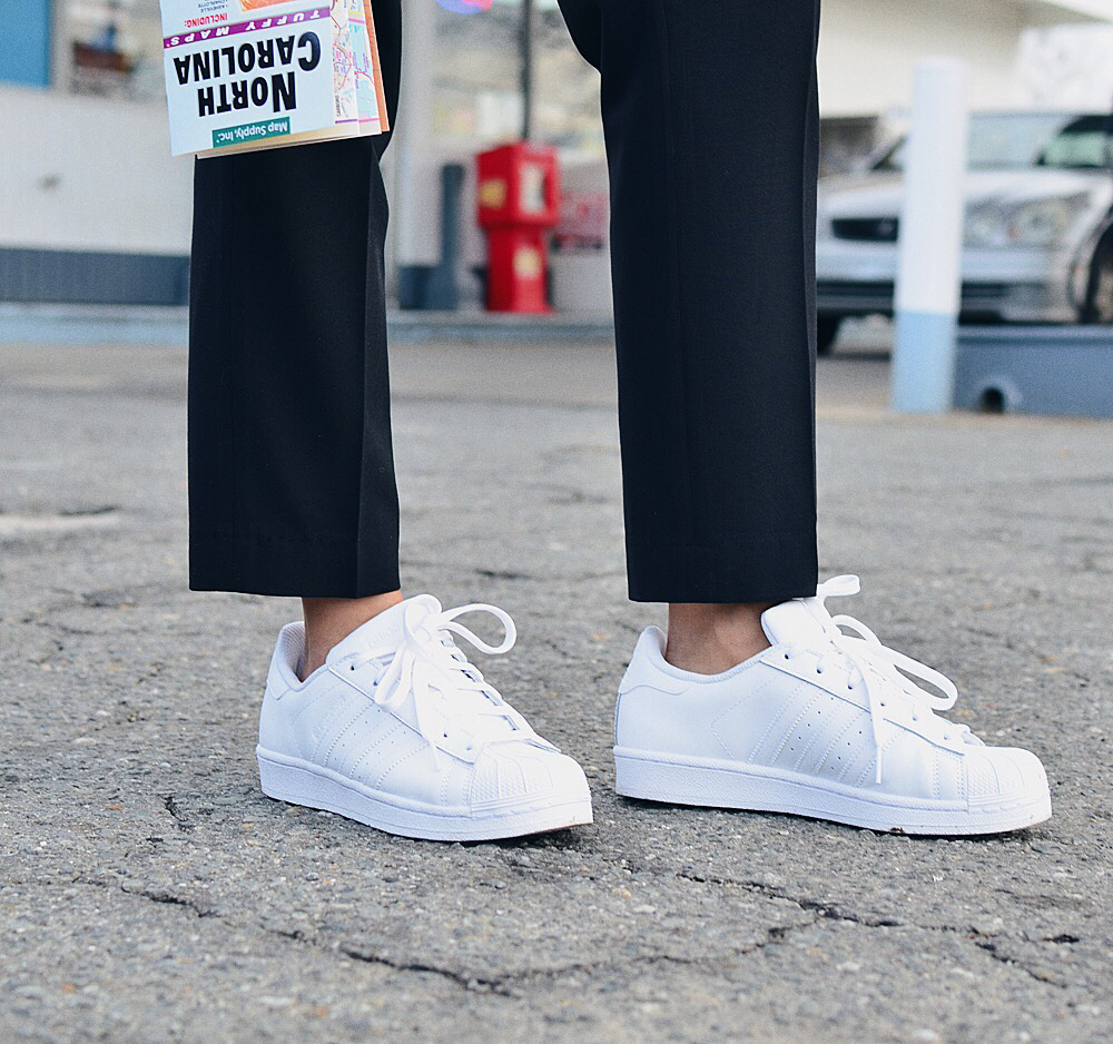 Adidas superstar sneakers all white