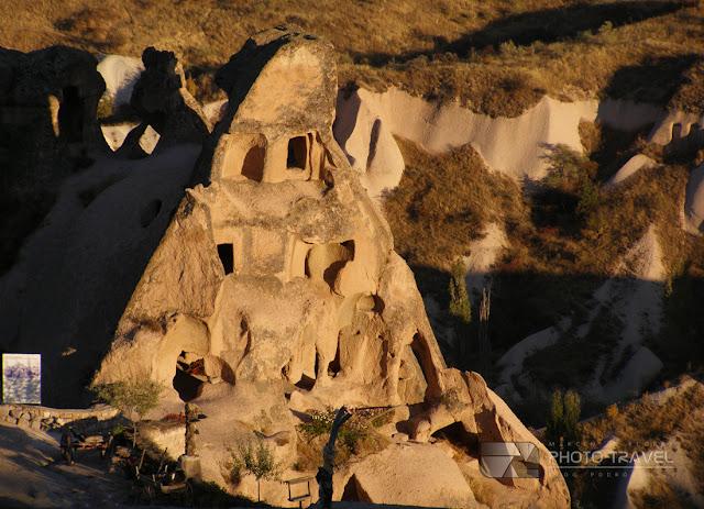 Bajkowe kominy - top atrakcja turystyczna Kapadocji w Turcji