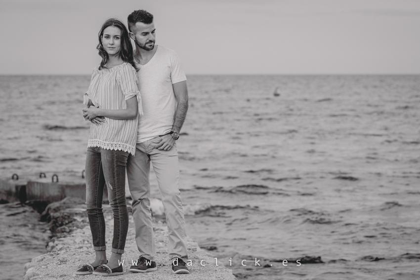 pareja preboda en la playa