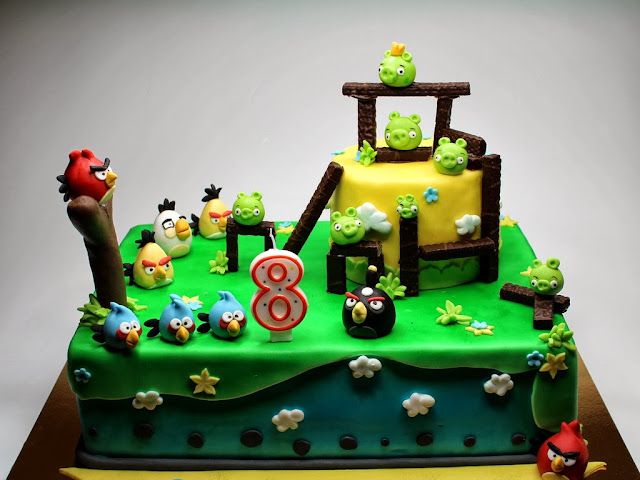 Angry Birds Birthday Cake in London Cake Shop