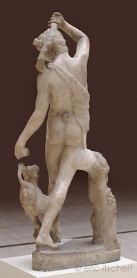 Sculptures, jeune satyre nu, peau de panthère, satyre, faune, panthère, flûte, sculpture antique,