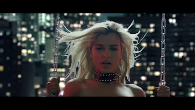 Bebe Rexha - No Broken Hearts ft. Nicki Minaj ( Official Music Video )